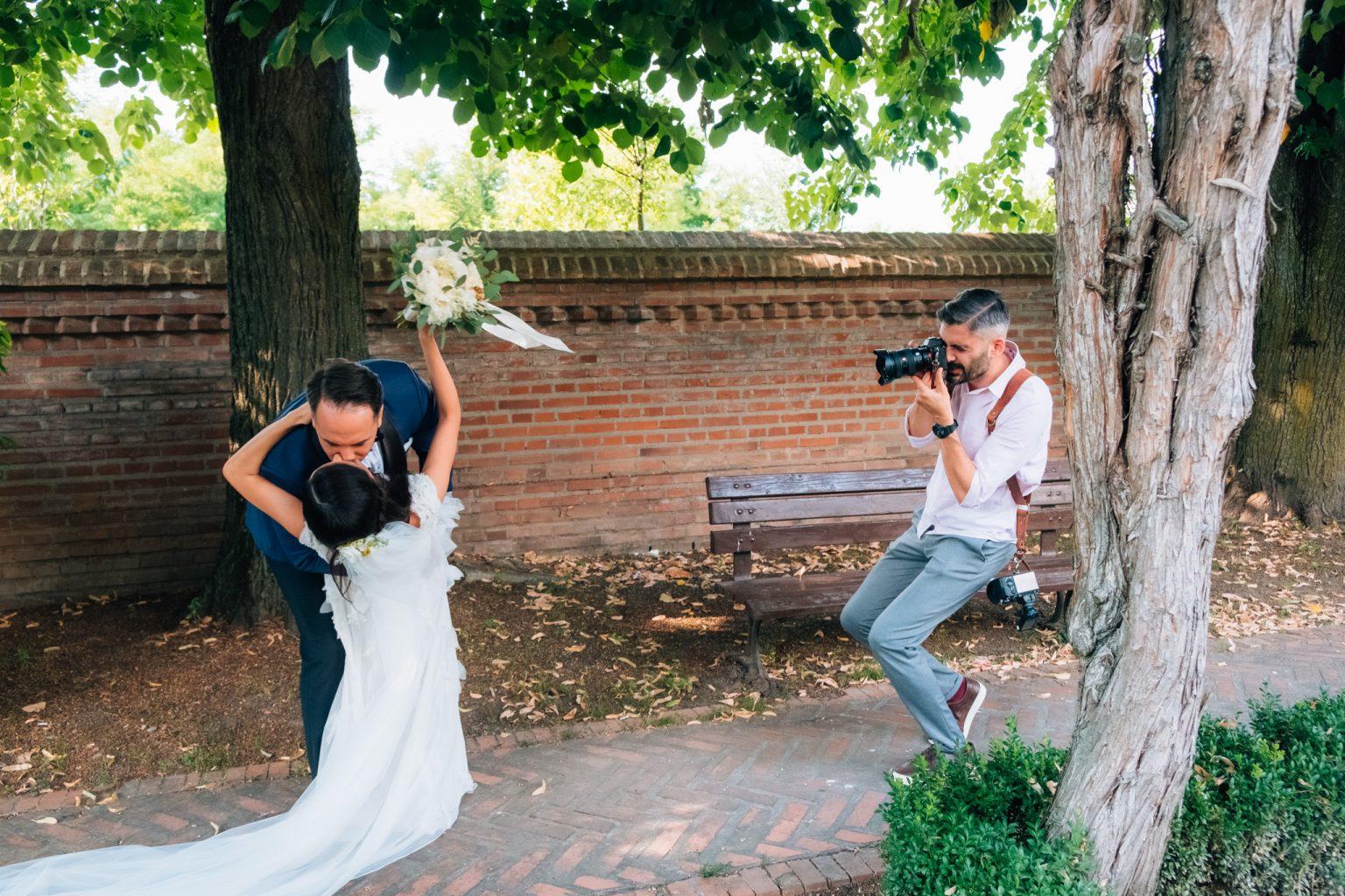 """<span class=""""hidepagetitles_toggle_title"""">Cum alegem un fotograf nunta potrivit pentru evenimentul nostru?</span>"""