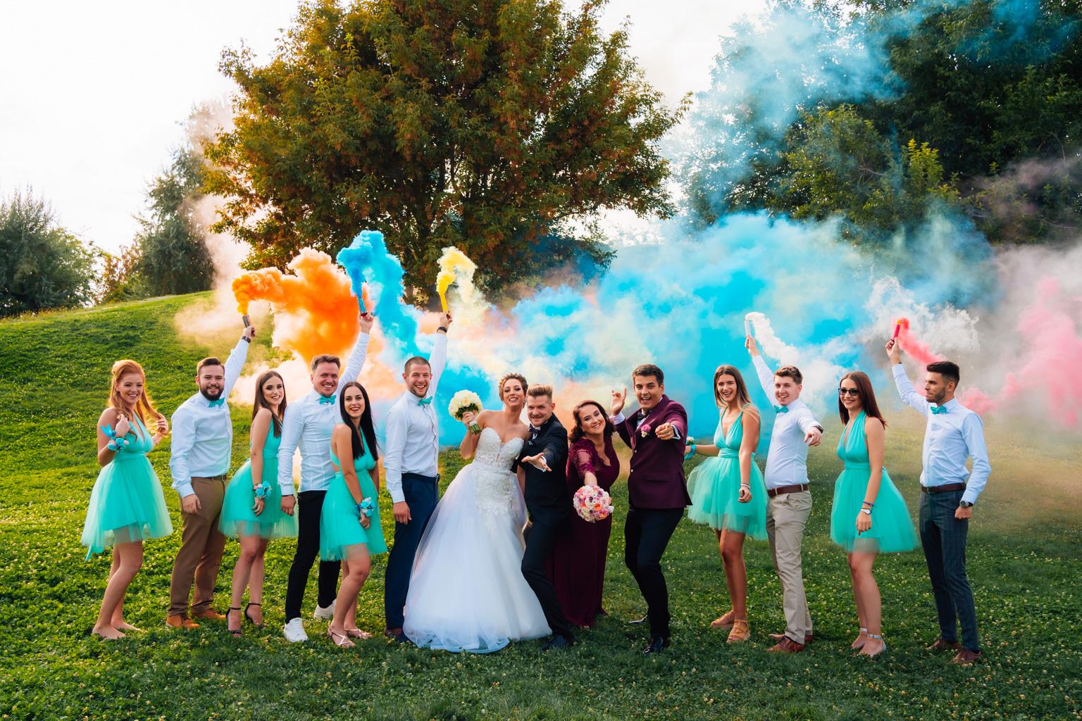 """<span class=""""hidepagetitles_toggle_title"""">Afla de ce este important sa colaborezi cu un fotograf profesionist pentru nunta ta</span>"""