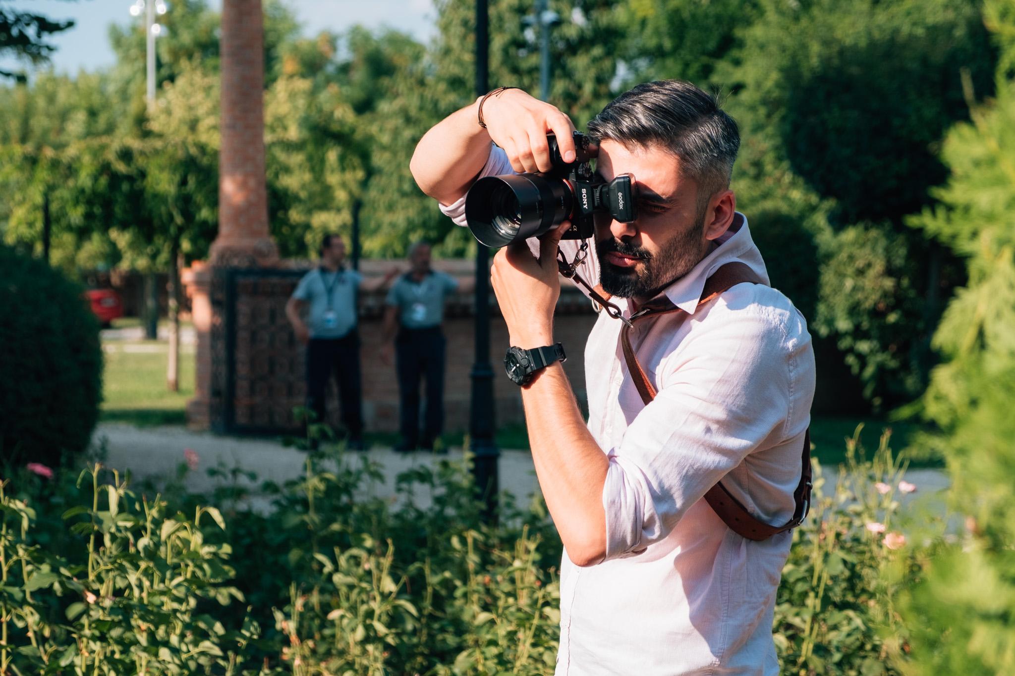 """<span class=""""hidepagetitles_toggle_title"""">Alegeti un fotograf de nunta care sa va fie alaturi la fiecare pas din ziua cea mare!</span>"""