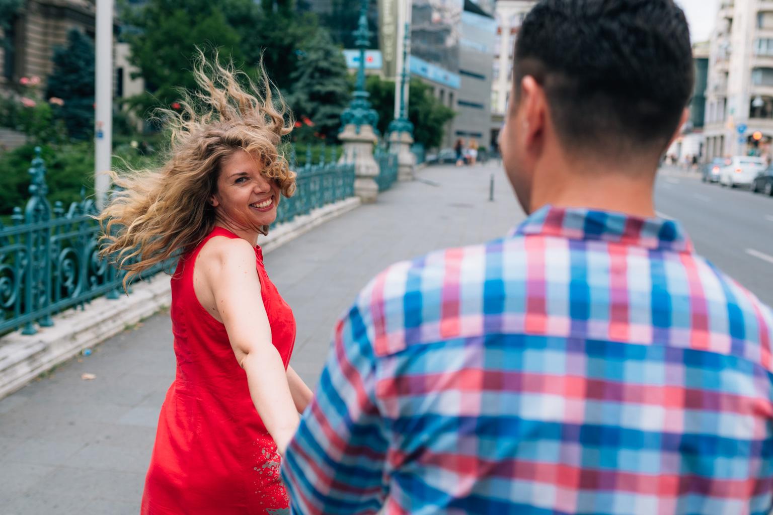 Delia + Sorin – Sedinta Save the Date pe Calea Victoriei